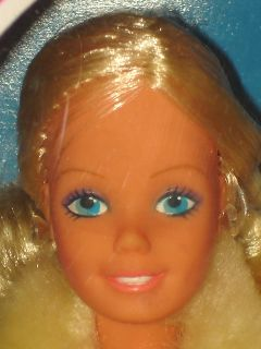 Horse Lovin Western Barbie Cavaliere Doll w Busy Hands Europe 1982 MIB