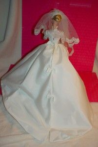 Barbie Fashion Only Grace Kelly Royal Wedding Gown Accessories