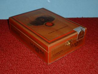 Collectable La Aurora 107 Lancero Wood Cigar Box Dom Rep
