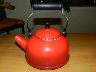 Le Creuset 1 7 Qt Enamel Tea Kettle Pot Cherry Tomato Red Flame w