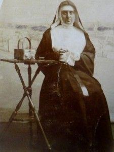 Antique Nun Photo Pre 1904 Sewing Lace Unknown Congregation
