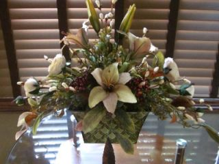 Silk Floral Flower Arrangement Beige Tan Lily Ranunculus w Rust Berry