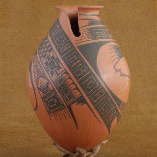 Mata Ortiz Polychrome Pottery Vase Signed Juan Quezada