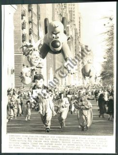 CT PHOTO ajn 490  Thanksgiving Day Parade New York City Places