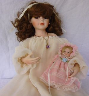 PORCELAIN DOLL COLLECTION SAMANTHA WITH BABY BY KINGSTATE HO. MAI