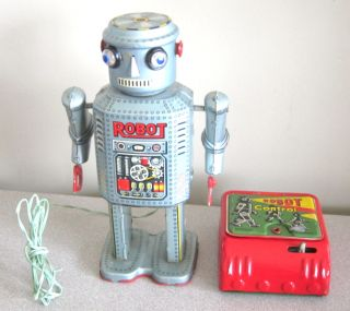 Vtg Tin Marx Linemar Japan Battery Operated Remote Control Robot Line