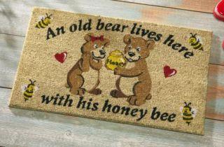 Old Bear Honey Front Door Welcome Mat Seasonal Yard Decor New I5429
