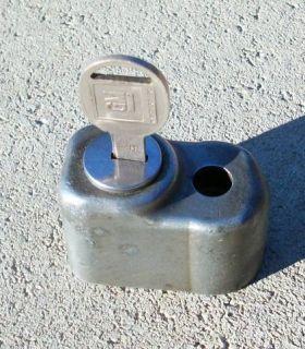 Vtg Chevy Corvette Stingray Spare Tire Rim Mag Lock Key GM 66 67 Nice