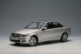 Autoart Mercedes Benz C Class Silver 1 18