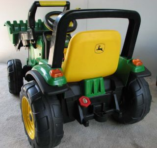 JOHN DEERE LOADER TRACTOR 12V POWER WHEELS hardly used NEW BATTERY PU