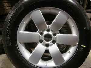 2011 Nissan Armada 20 Alloy Wheels Michelin Tires OE