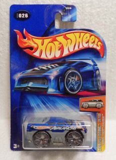 Hot Wheels 2004 26 First Ed Blings Chevy Avalanche Mint on Card