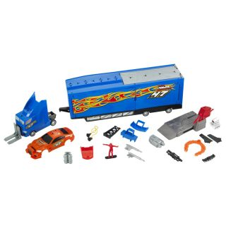 Hot Wheels Custom Motors Ultimate Repair Rig 30 Interchangable Parts