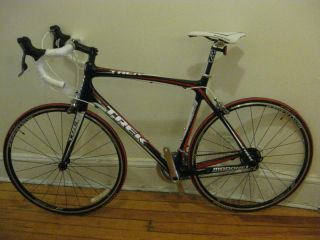 New 2010 Trek Madone 4.5 TCT Carbon 58cm Mens Road Bike   Shimano 105
