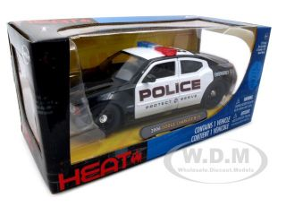 Brand new 1:24 scale diecast model of 2006 Dodge Charger R/T Police