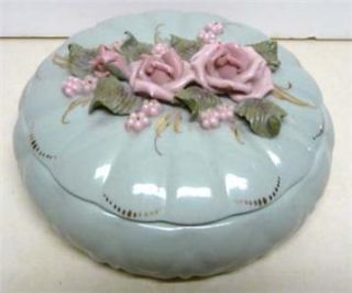 REINA CALIFA POWDER  TRINKET BOX BONE CHINA BEAUTIFUL FLOWERS ON THE