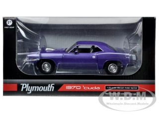 Brand new 1:25 scale diecast model car of 1970 Plymouth Cuda Barracuda