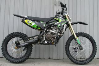 ICS CBF 31F Enduro Cross Dirt Bike 250cc 4 Takt Schwarz