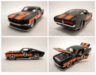 Ford Mustang GT 1967 Harley Davidson schwarz/orange, Modellauto 124