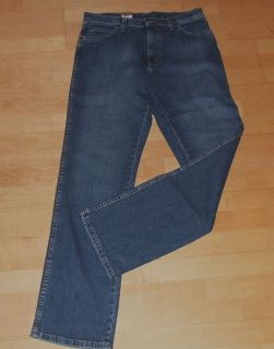 Wrangler Jeans Durable bootcut dark blue W153 YL 15Y