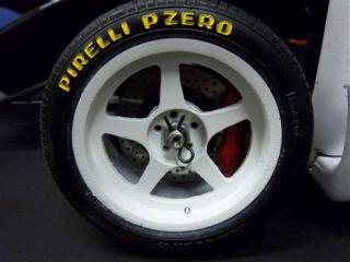 Hier wurde ein original Pocher Ferrari F40 1/8 zu einen Ferrari F40 Le