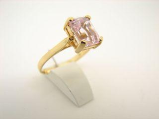 Gelbgold Ring mit grossem rosa Zirkonia Stein 585er 14kt Gold