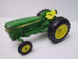 Large ERTL Die cast John Deer Tractor No.584