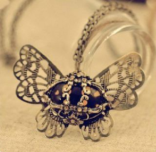 GK4900 New Fashion Jewelry Retro Butterfly opal carved flowers pendant