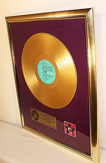 Elvis Presley, Elvis Sings Hits From His Movies, goldene Schallplatte