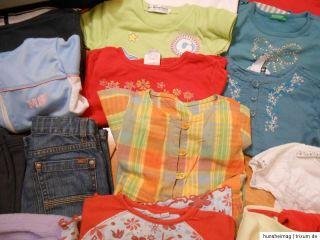 32 teiliges Mädchen Bekleidungspaket Größe 92 T Shirts Sweatshirts