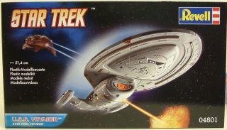 STAR TREK VOYAGER  Voyager Model Kit made by REVELL