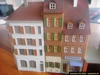 FALLER H0 Modell Nr. B 925 AMS Altstadt, Stadthäuserzeile gebaut