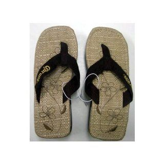 Sturdy Brown Straw Sandals   Flower Pattern Shoes