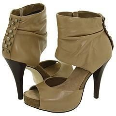 Steve Madden Tramatic Taupe Leather Sandals