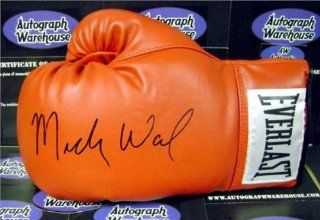 Micky Ward signed Boxing Glove   Autographed Boxing Gloves