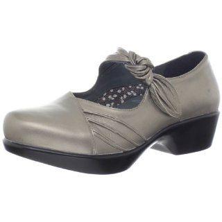 athletic women shoes