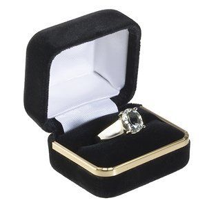 High Quality Black Velvet Ring Gift Box with Gold Trim