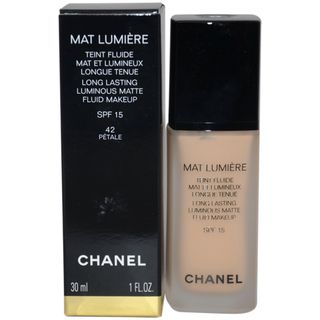 Chanel Mat Lumiere Petale Long Lasting Luminous Matte Fluid Makeup