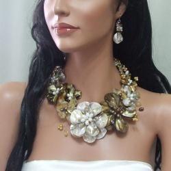 Golden Gradual Flower Bouquet Statement Jewelry Set (Thailand