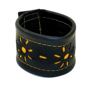 Recycled Tire Tube Cut out Flower Bracelet (India)