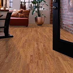 8mm 3 Strip Gunstock Oak Laminate Flooring (154.61 SF)