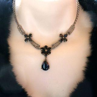 Flower Black Gem Stone Rhinestone Necklace