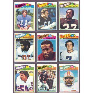 1977 Topps #139 Julius Adams Patriots (NM/MT
