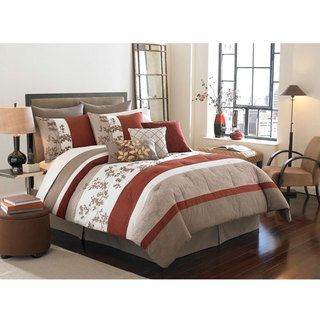 Segamore Queen Size 8 piece Bed in a Bag