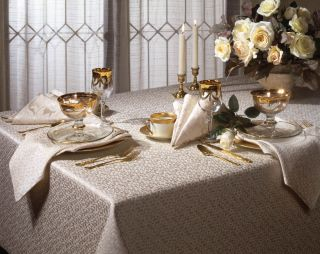 Siena Jacquard 120 inch Rectangular Tablecloth and 10 Napkins